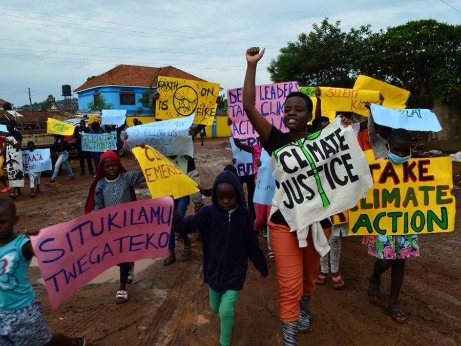 ناشطة أوغندية في الخامسة عشر من عمرها تنتصر للبيئة