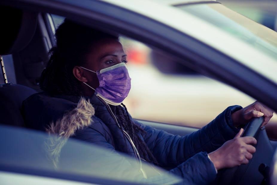 """هل تهزم """"النكات"""" كورونا في جنوب أفريقيا.. وماذا تخبرنا الإنفلونزا الإسبانية من مائة عام؟"""