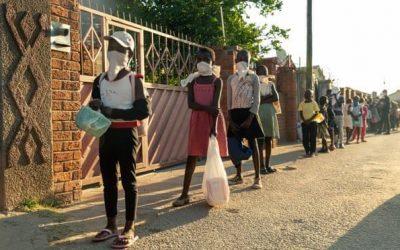 بعد كورونا وإجراءات الإغلاق.. سيدة تحارب الجوع في زيمبابوي من مطبخها