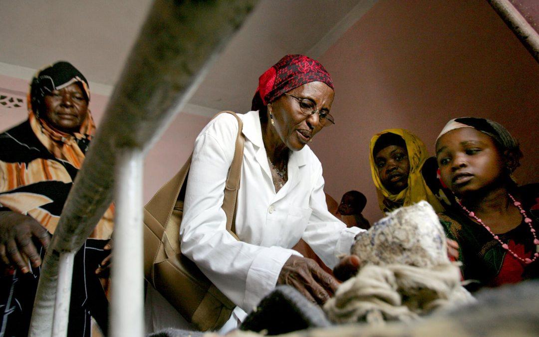 «الأم تيريزا».. وفاة حواء عبدي الطبيبة التي غيرت حياة آلاف الصوماليين
