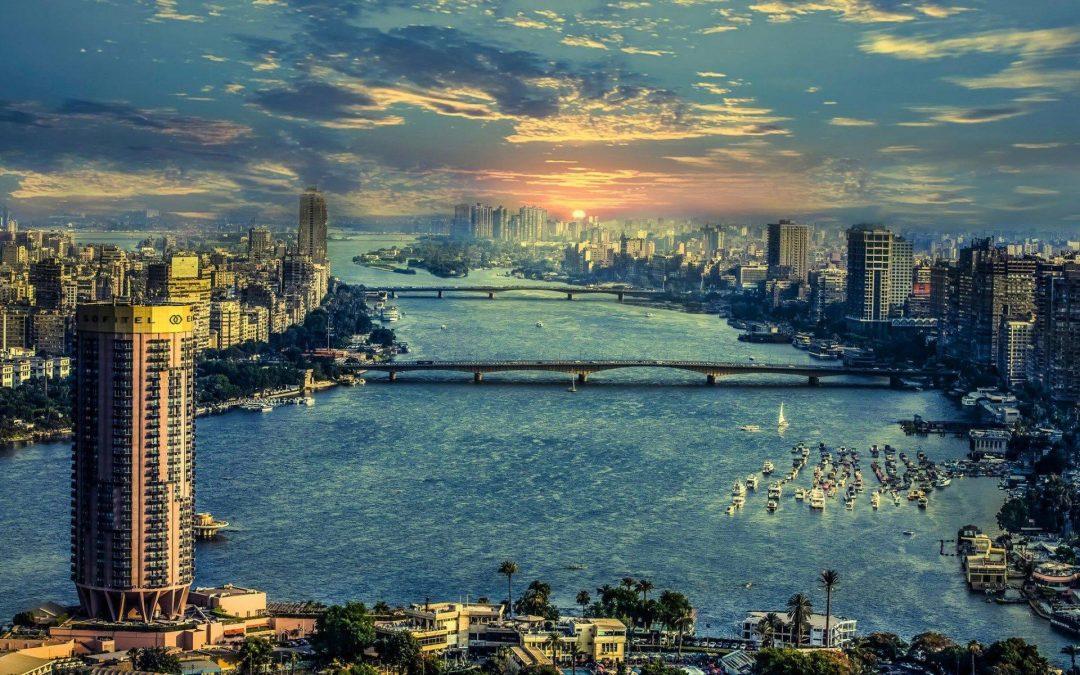 مصر وجنوب أفريقيا والمغرب.. «وجهات مضيئة» لمستثمري العالم