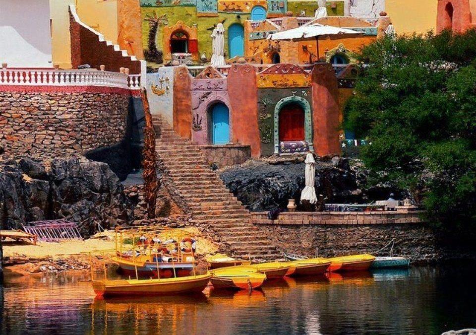 البيت النوبي.. كتاب حكايات إنسانية ترويها الألوان على شاطئ النيل