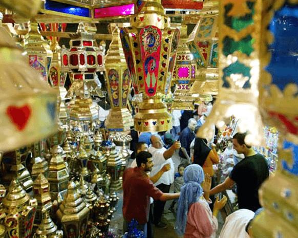 رمضان في مصر.. صلاة وخير وفوانيس وابتهالات