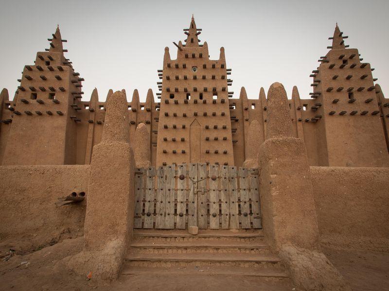 بين المركزية الأوروبية باليونسكو ونقص الخبرات.. مواقع التراث الأفريقي مهددة بالانقراض